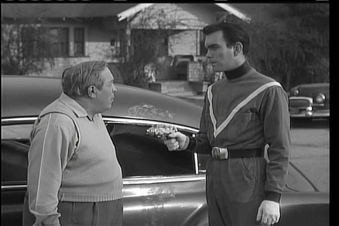 Harvey B. Dunn and Bryan Grant in Teenagers from Outer Space (1959)
