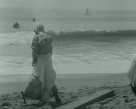 Linda Arvidson in D. W. Griffith's The Unchanging Sea (1910)